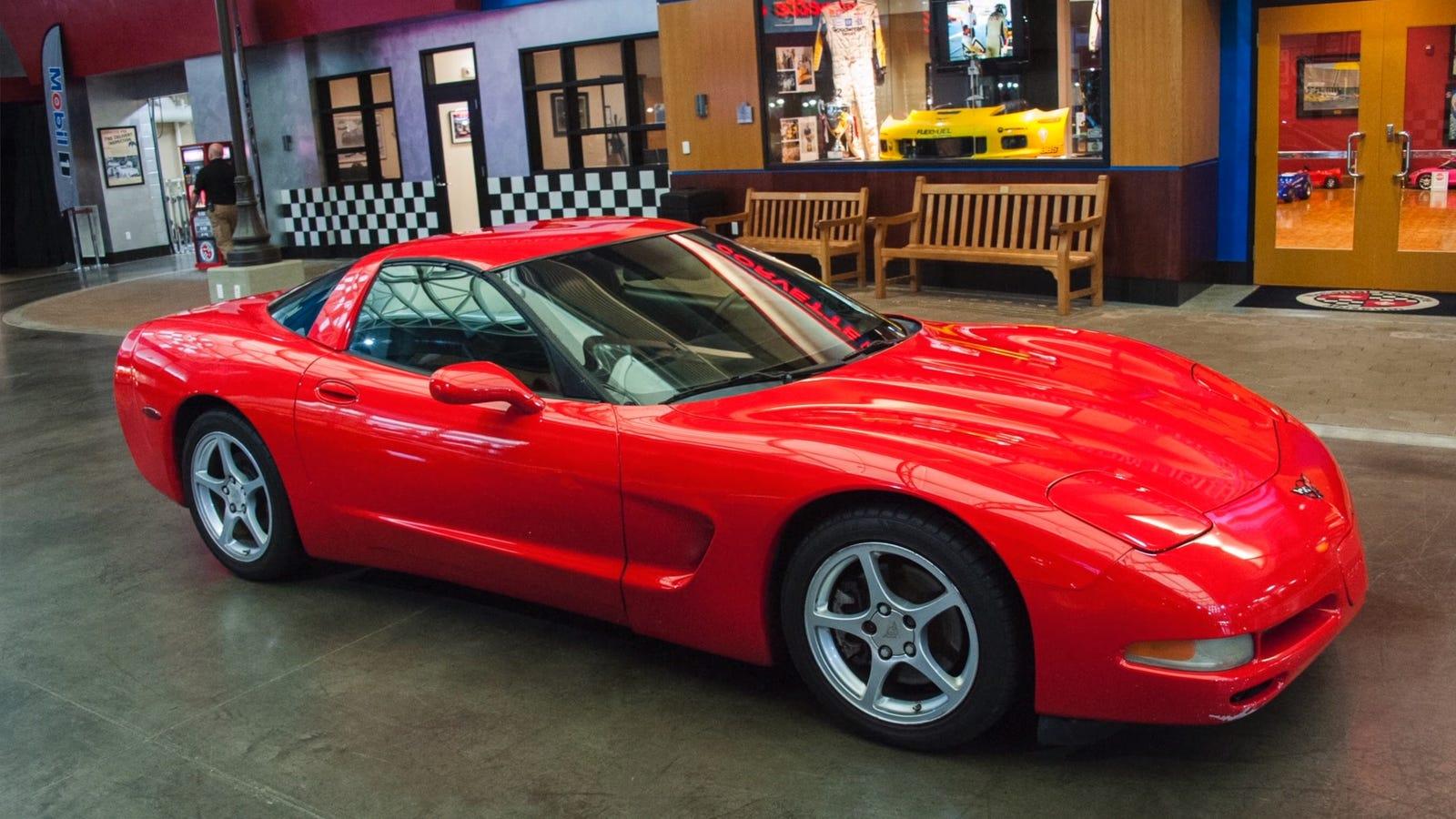 extremely corvette man donates 733 000 mile c5 to corvette museum. Black Bedroom Furniture Sets. Home Design Ideas