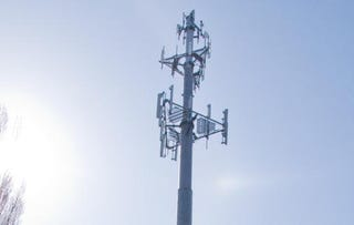 Illustration for article titled Giz Explains: How Cell Towers Work