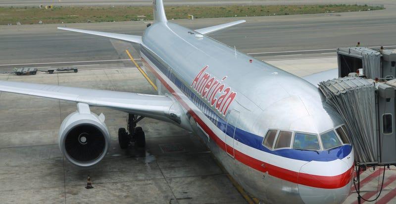 Illustration for article titled Detenida la chica que amenazó de broma en Twitter a American Airlines
