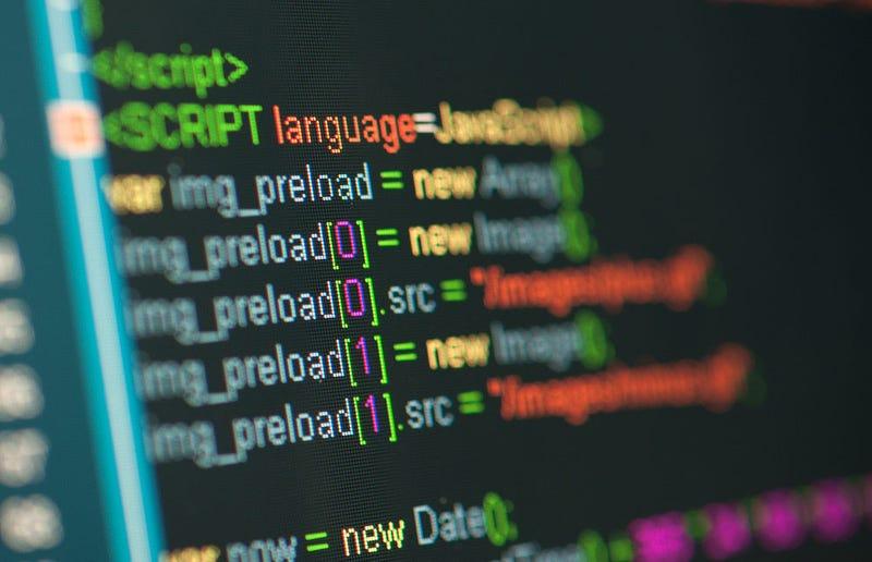 Illustration for article titled ¿Qué lenguaje de programación debería aprender para empezar?