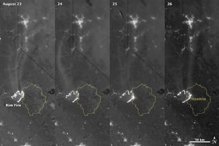 Illustration for article titled Satellite photos show the progress of the CA Rim fire