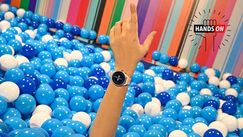 Fossil, help me out of this ball pit. The pit is a metaphor for Wear OS.