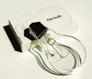 Illustration for article titled Flat Light Bulbs Are an Incandescent Innovation