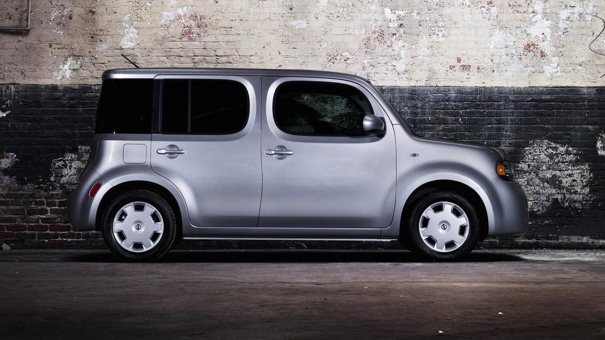 Nissan 2010 nissan cube : Dead: Nissan Cube