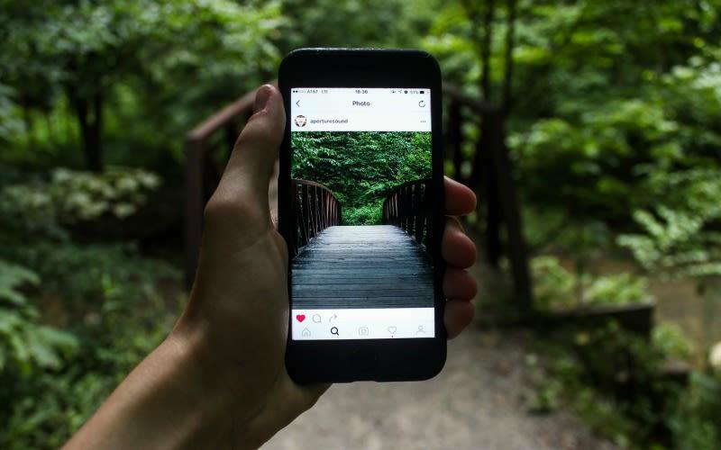 Illustration for article titled Instagram escucha tus quejas y dice que mejorará su algoritmo para que veas fotos más nuevas