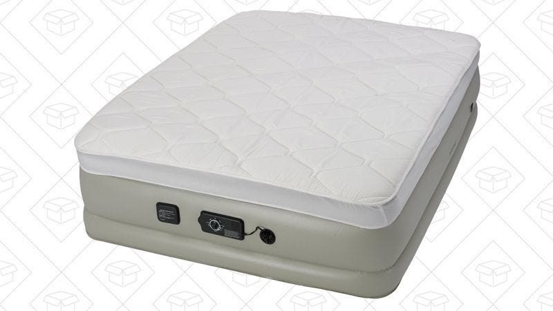 Colchón hinchable Queen con sábana, $108