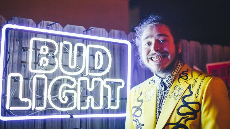 Illustration for article titled Post Malone spent $40,000 on Postmates this year—including $8,000 on Popeye's biscuits