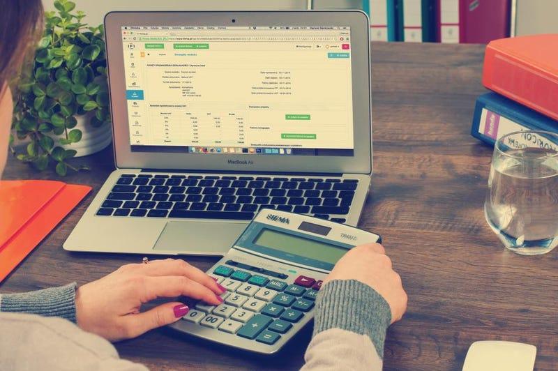 Illustration for article titled Money Management Tips For Freelancers