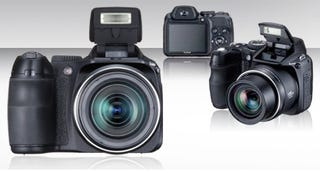 Illustration for article titled Fuji Finepix S2000HD with 720p Video Recording