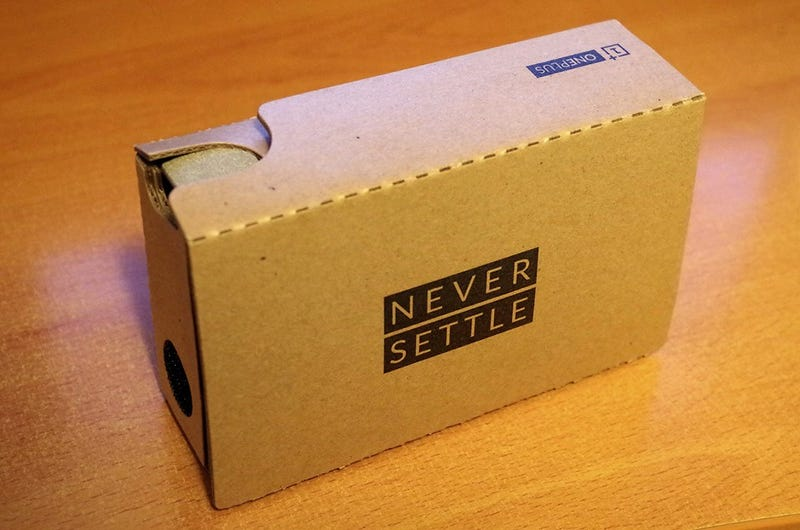 Illustration for article titled OnePlus Cardboard Virtual Reality Kit Review