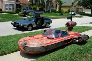 Illustration for article titled Drivable Star Wars Landspeeder Will Not Take You To Mos Eisley, Still Kicks Ass