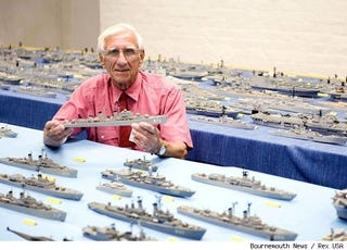 Illustration for article titled This Man Has Built Every British Warship Since WWII Out of Matchsticks