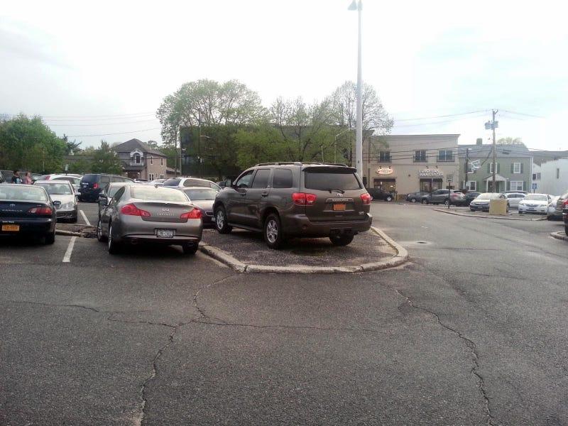 Illustration for article titled sweet parking job