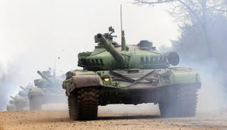 Illustration for article titled Gondoltátok volna, hogy az orosz titkosszolgálat dobta fel a tankokat?