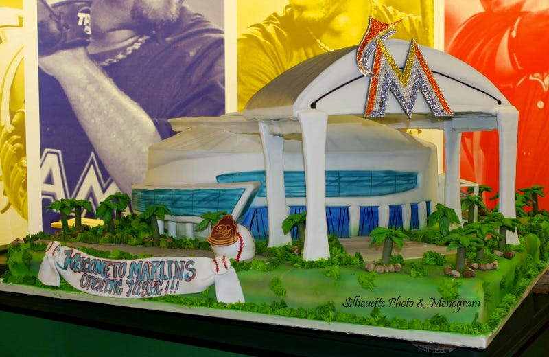 Illustration for article titled Jeffrey Loria Had A Marlins Park Cake With Swarovski Crystals And A Working Retractable Roof