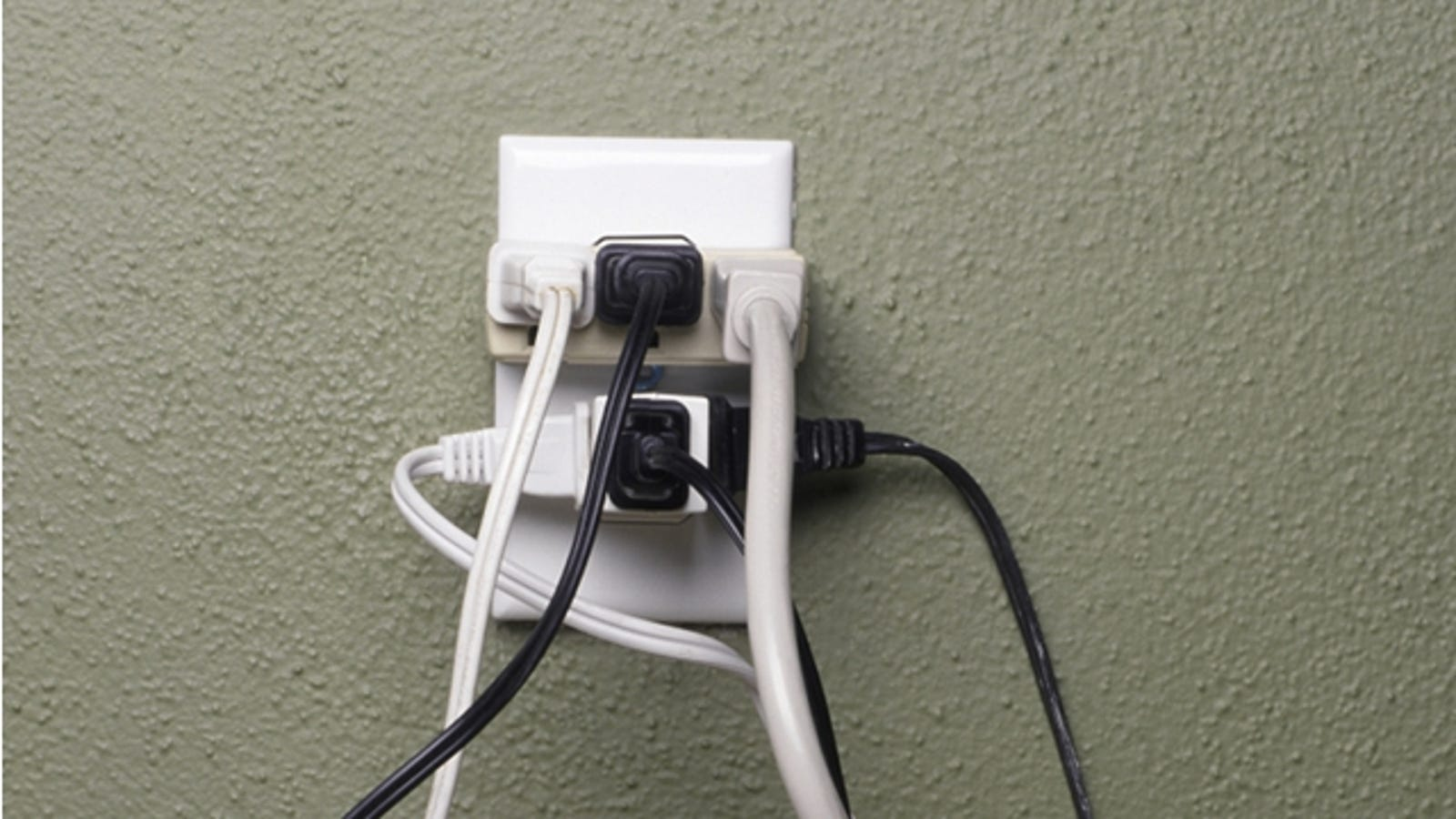 Learn The Limits Of Your Electrical Outlets To Avoid Fires Wiring 115v Ac Plug In