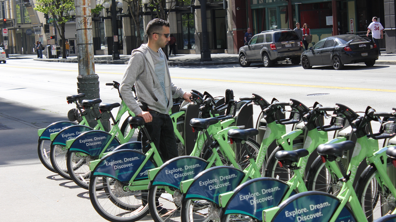 Illustration for article titled Bike Shares Have a Better Safety Record Than Regular City Biking