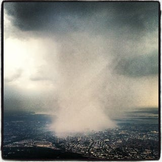 Illustration for article titled Dhani Jones Took An Incredible Photo Of A Storm Consuming New York