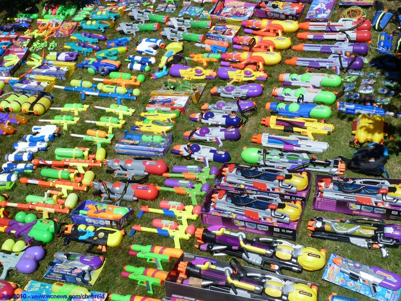 Illustration for article titled Why The U.S. Government Is Purchasing Water Guns