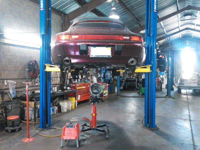 Illustration for article titled Update: Porsche G50 window repair
