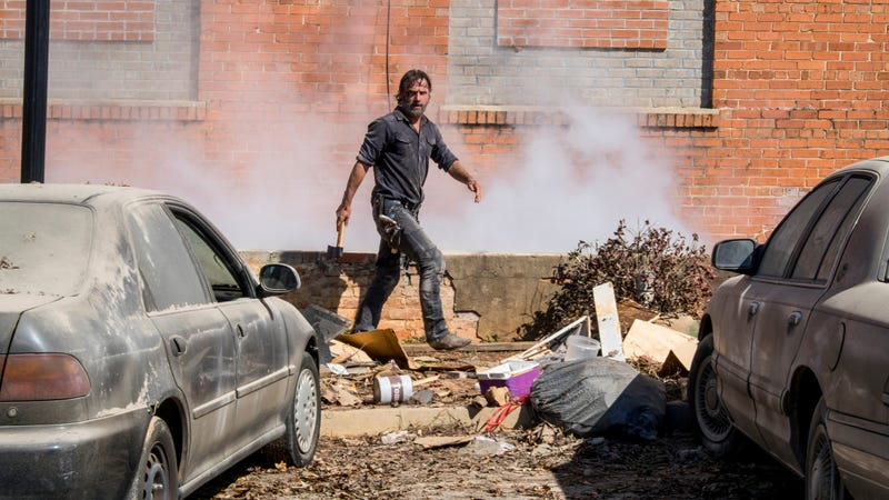 Rick (Andrew Lincoln) struts his way to a murder.