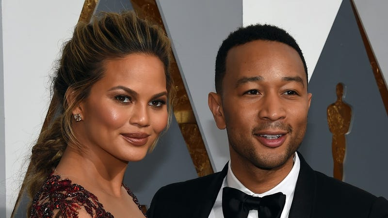 Illustration for article titled Chrissy Teigen and John Legend Want to Introduce You to Their Baby!