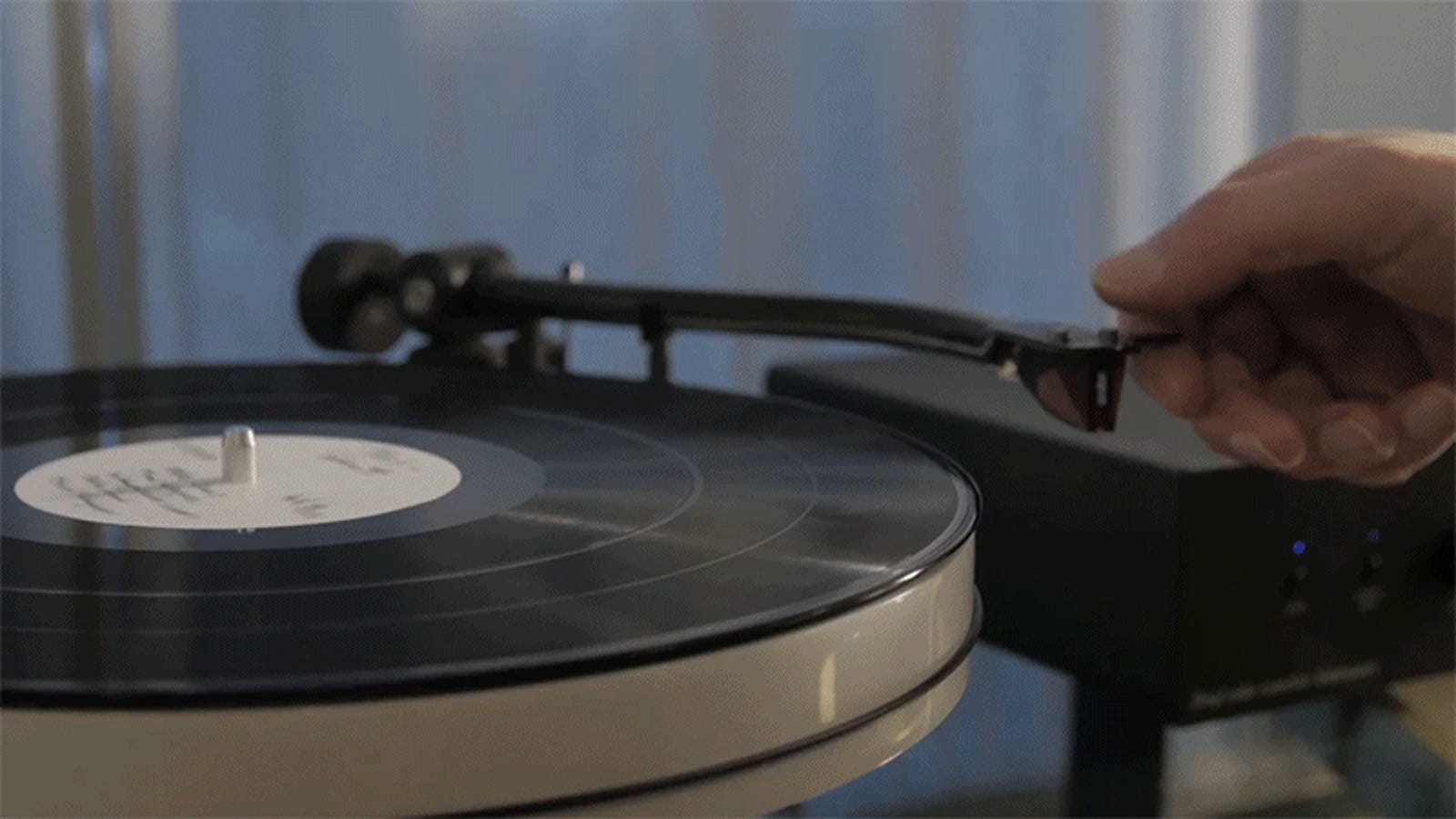 If You Hate Your Eyes, You Can Now Watch Video Recorded On a Vinyl Record
