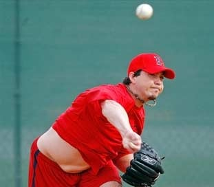 Illustration for article titled Josh Beckett Doesn't Appear To Have Been Taking Steroids In The Offseason
