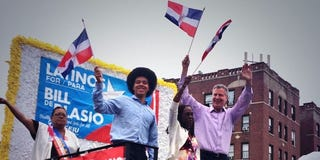 Dante de Blasio with mother Chirlane McCray and father Bill de Blasio (Bill de Blasio Facebook campaign page)