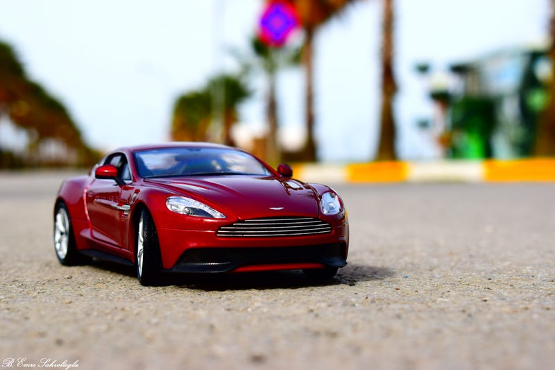 Illustration for article titled Aston Martin Vanquish