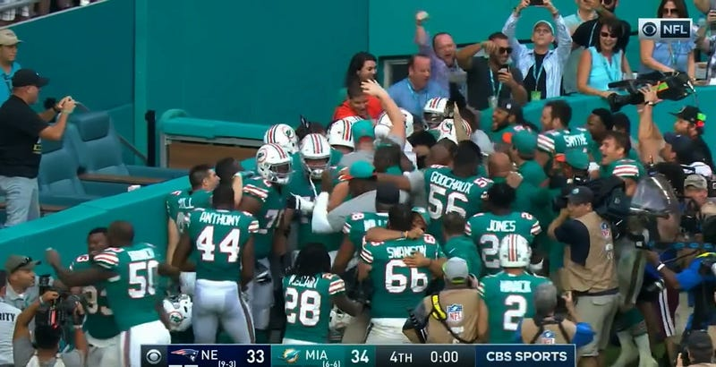 Illustration for article titled Dolphins Topple Patriots On Miraculous, Nice Walkoff Lateral Play