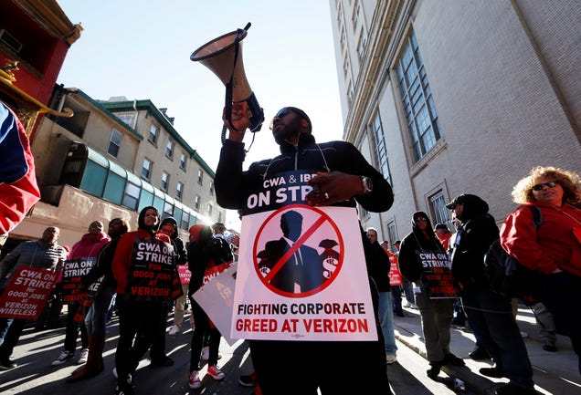 Striking Verizon Workers Win Major Gains in Deal with the Telecom Giant
