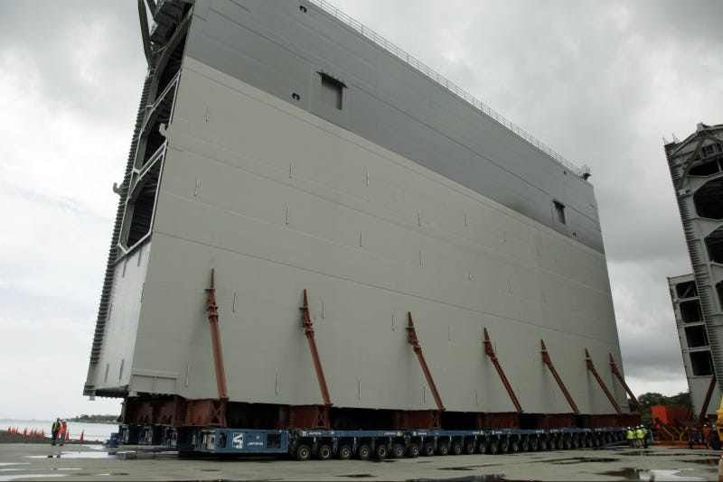 Illustration for article titled The Panama Canal's Newest Gates Are Truly Gargantuan