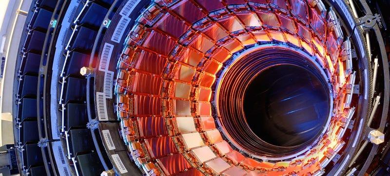 Illustration for article titled El CERN logra colisionar protones con una energía histórica: 13 TeV