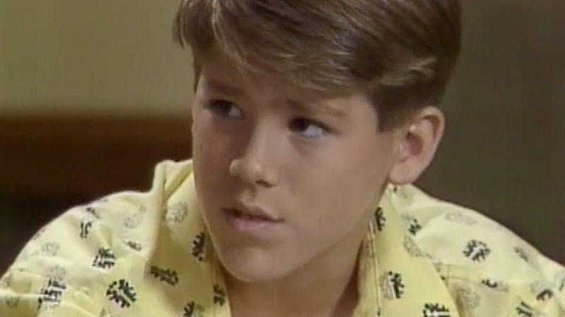 An adult Ryan Reynolds on Nickelodeon's Fifteen