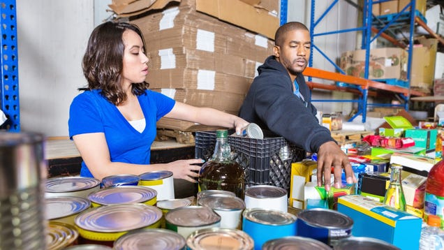 How to Get Help From a Food Pantry