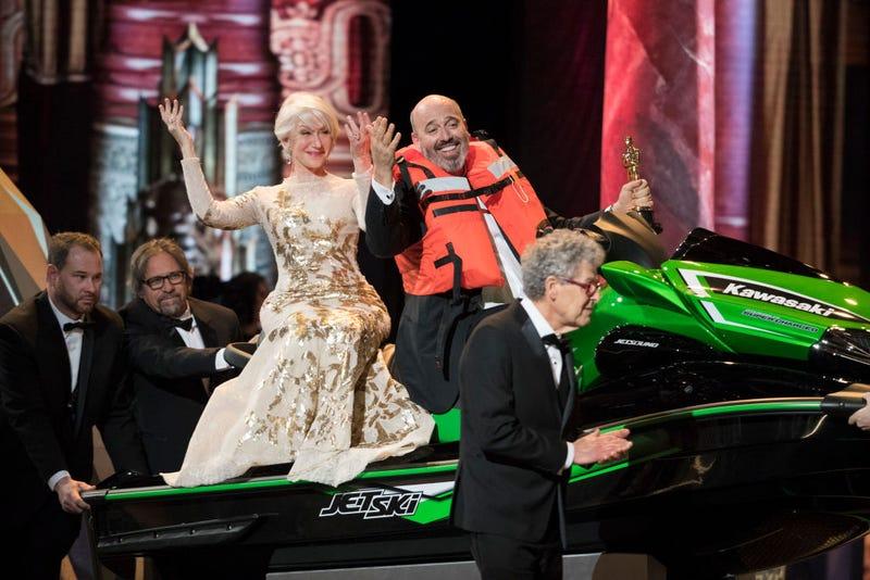 Illustration for article titled Phantom Thread costume designer took home an Oscar and a Jet Ski last night