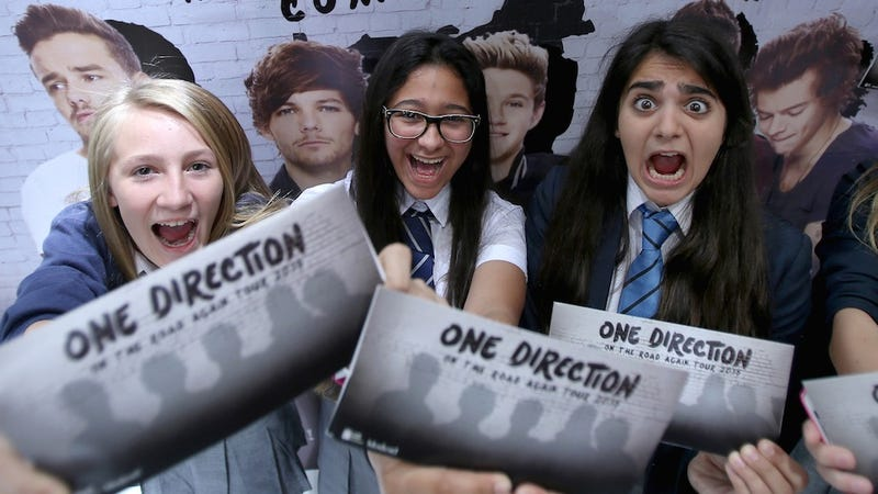 Illustration for article titled Critic Uses Review to Skeeve on Tween One Direction Fans