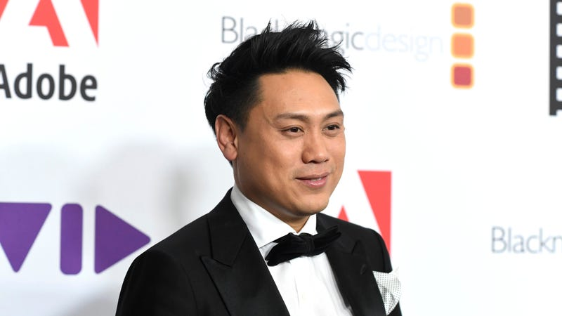 Illustration for article titled Crazy Rich Asians director Jon M. Chu responds to controversy over writers' pay disparity