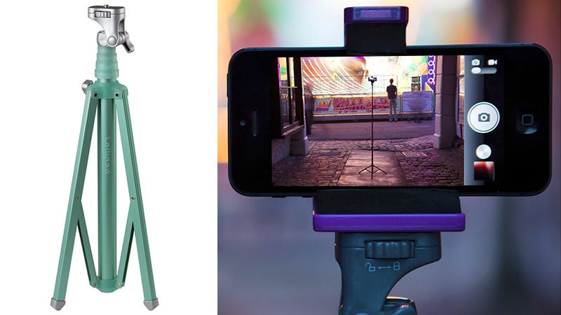 Illustration for article titled A Tiny Ultralight Tripod Designed For Compact Cameras and Smartphones