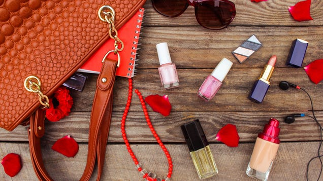 How to Transport Makeup Without Breakage or Spillage