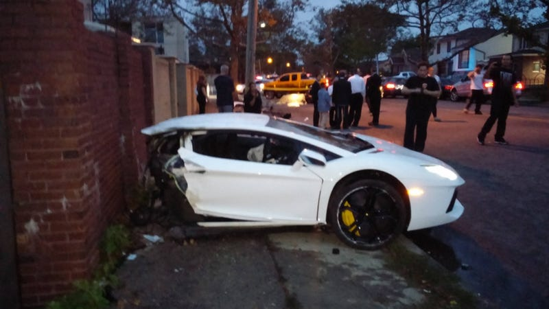 Illustration for article titled This Is What It Looks Like When You Tear A Lamborghini In Half