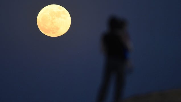 See the First Spring Equinox Supermoon in 19 Years Tonight