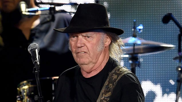 Did Neil Young Get Ripped Off in His Attempt to Delete Facebook From His Website?