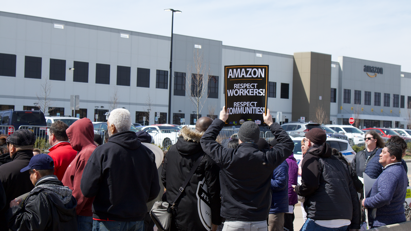 Illustration for article titled Labor Coalition Demands Amazon Reinstate Fired Employee Who Fought For Unionization