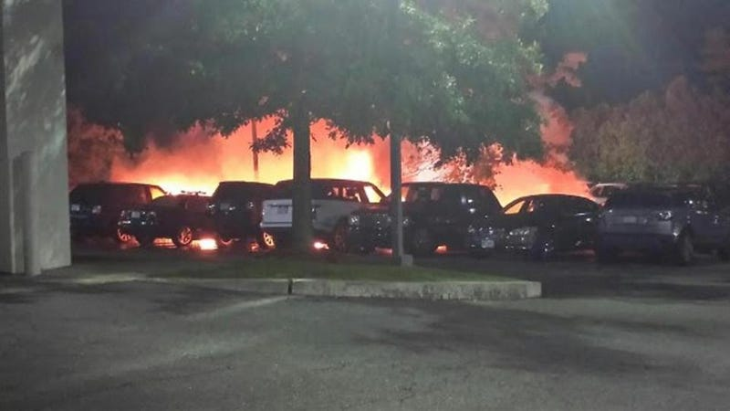 Illustration for article titled Old Jag's Electrical Problem Leads To Devastating 19-Vehicle Fire