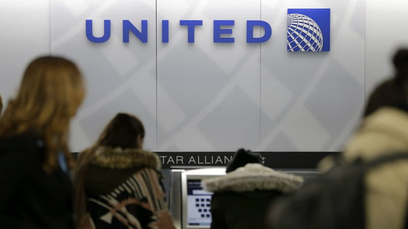 United Loses $800 Million in Value After Passenger Dragged Off Plane