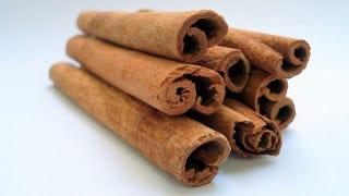 Boil Cinnamon Sticks to De-Odorize Smelly Rooms