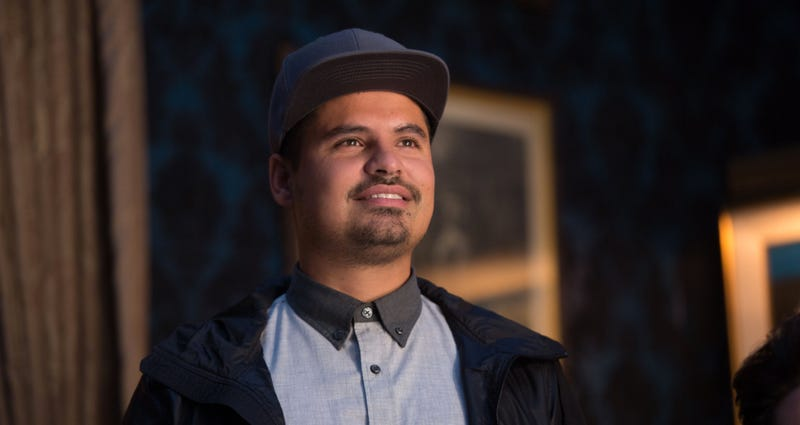 Illustration for article titled Michael Peña Will Save His Family, and the World, From an Alien Invasion