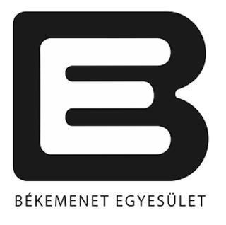 Illustration for article titled A Békemenetnek megtetszett a Bomba energiaital logója